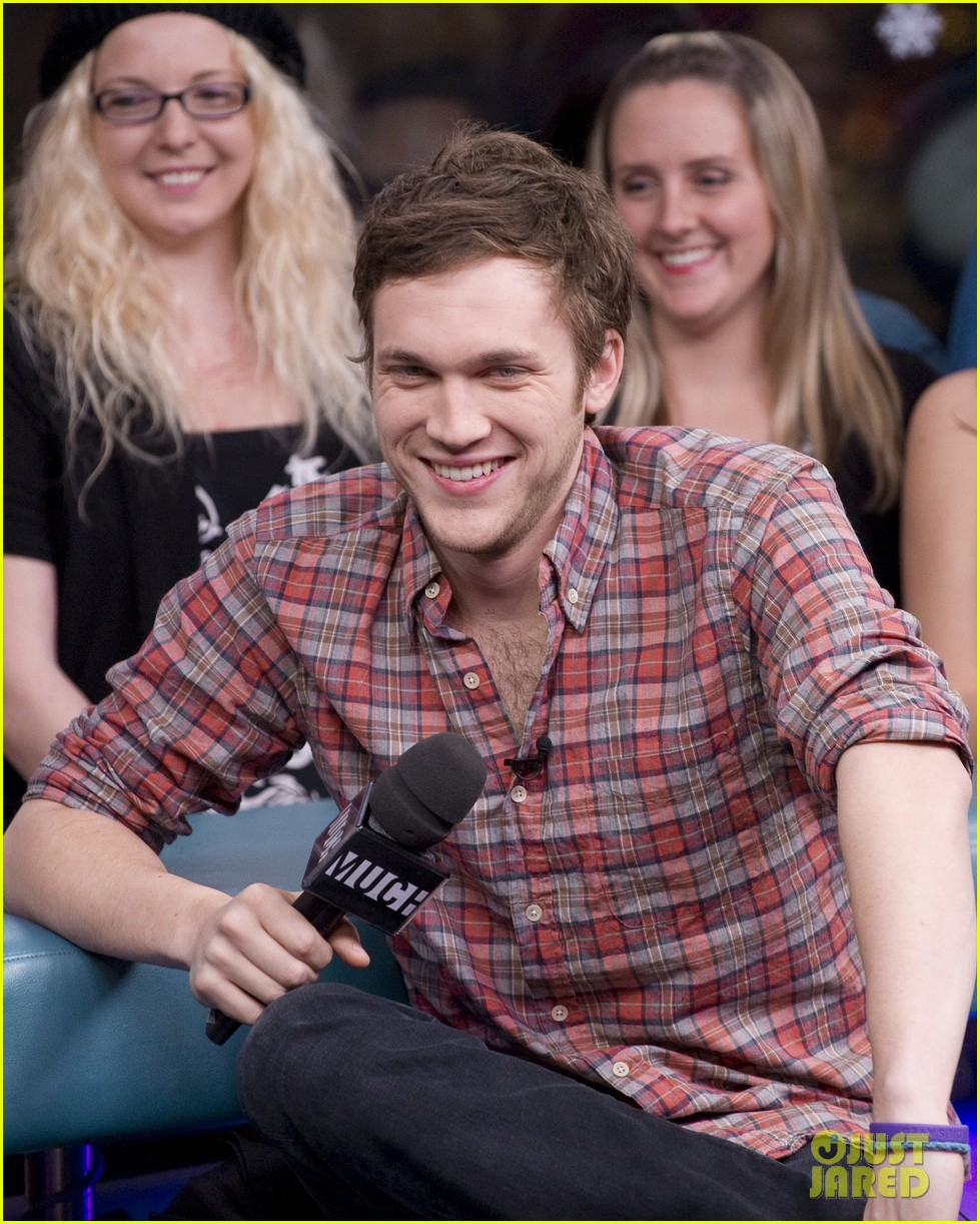  phillip phillips muchmusic studio stop 01